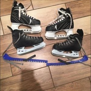 2 pairs of skates boy size 3 and 5 junior